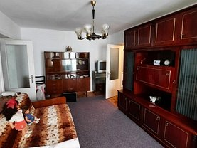 Apartament de închiriat 2 camere, în Piatra-Neamţ, zona Central