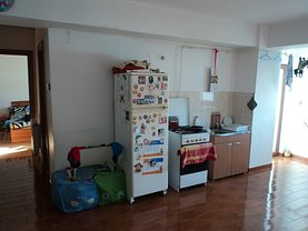 Apartament de vânzare 3 camere în Focsani, Nord