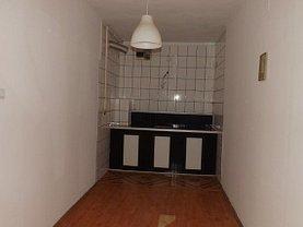 Apartament de vânzare 2 camere, în Sinaia, zona Moroieni