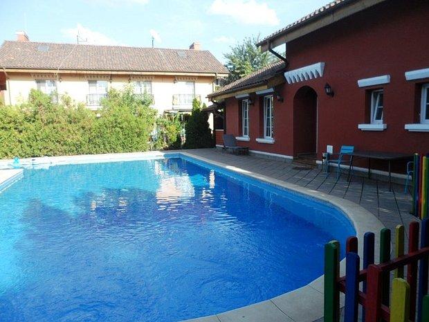 Vila Iancu Nicolae(Complex Sun Flower),amenajata,libera ,piscina - imaginea 1