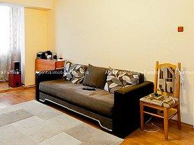 Apartament de vânzare 3 camere, în Galati, zona Micro 18