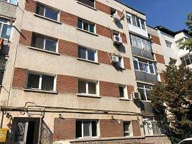 Apartament de vânzare sau de închiriat 3 camere, în Slatina, zona Central