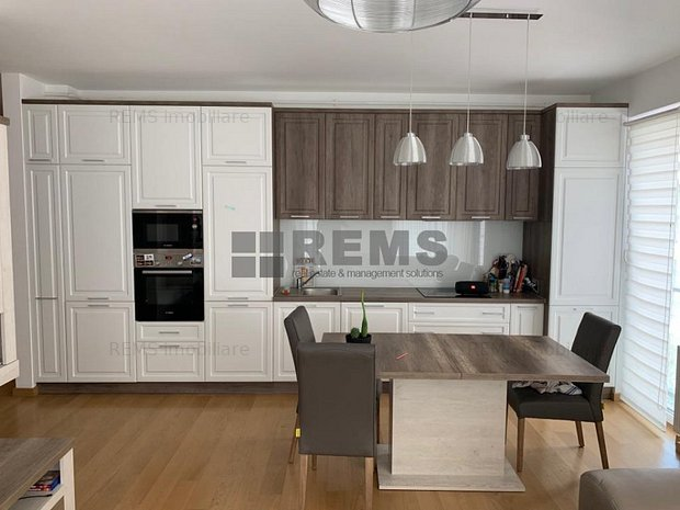Apartament de lux cu trei camere in zona UMF - imaginea 1