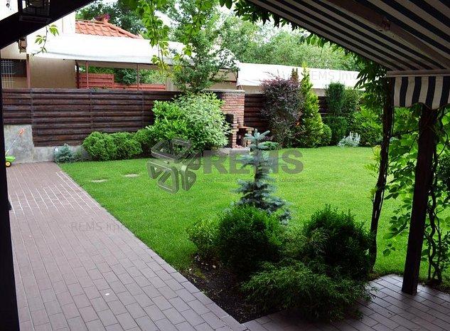 Casa individuala de lux in Andrei Muresanu - imaginea 1