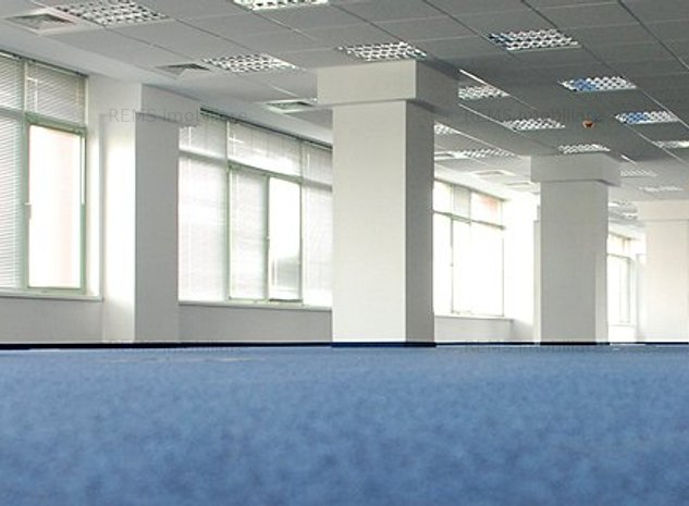 Open space in centru business - imaginea 1