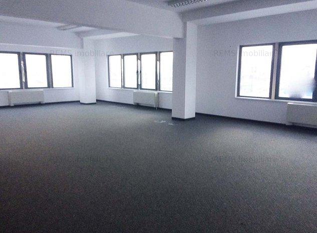 Spatii in cladire de birouri - imaginea 1