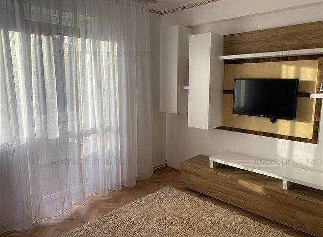 Apartament cochet cu 2 camere in zona Centrul Civic - imaginea 1