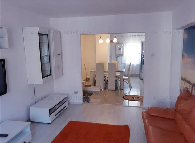 Apartament trei camere, Tractorul, Brasov - imaginea 1
