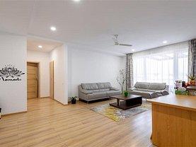 Apartament de închiriat 5 camere, în Braşov, zona Tractorul