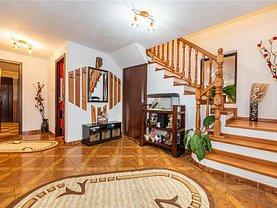 Casa de vânzare 5 camere, în Braşov, zona Exterior Est