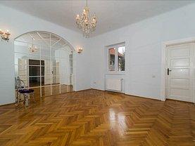 Casa de închiriat 7 camere, în Braşov, zona Central