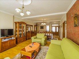 Vânzare hotel/pensiune în Brasov, Tractorul