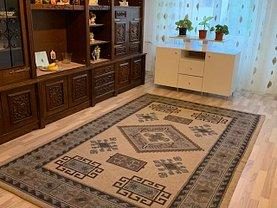 Apartament de vânzare 3 camere, în Bucureşti, zona Mărgeanului
