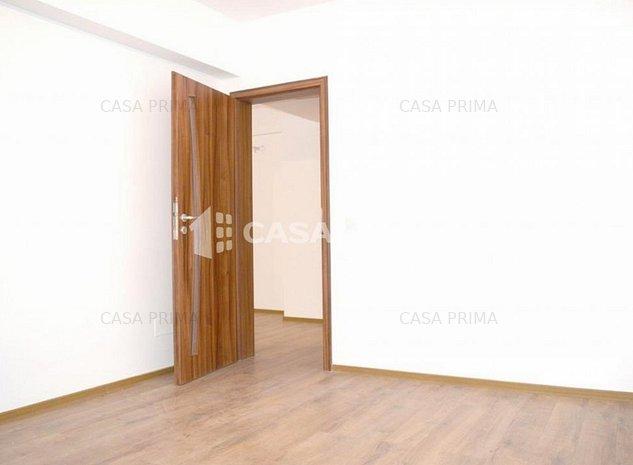 Apartament 3 camere, Decomandat, Loc de parcare inclus! - imaginea 1