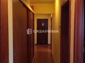 Apartament de vânzare 3 camere, în Iasi, zona Frumoasa