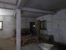 Casa de vânzare 4 camere, în Focşani, zona Central
