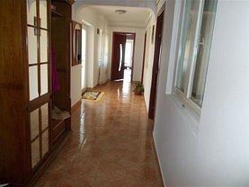 Casa de vânzare 3 camere, în Vânători, zona Central