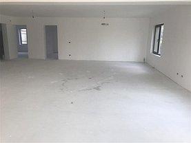 Casa de vânzare 5 camere, în Focşani, zona Central