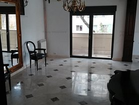 Casa de închiriat 7 camere, în Bucureşti, zona 1 Mai
