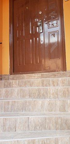 Vand apartament in casa Brasovul Vechi - imaginea 1