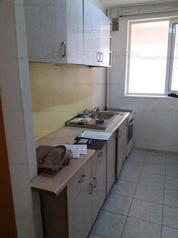 apartament 2 camere militari - imaginea 1