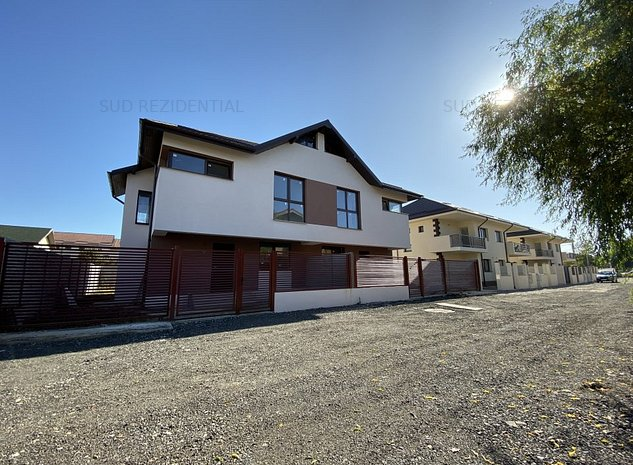 Vila 4 camere cu CURTE PROPRIE 120 mp - OCAZIE - imaginea 1
