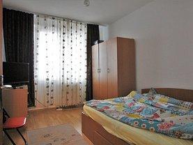 Apartament de vânzare 4 camere, în Bucuresti, zona Crangasi