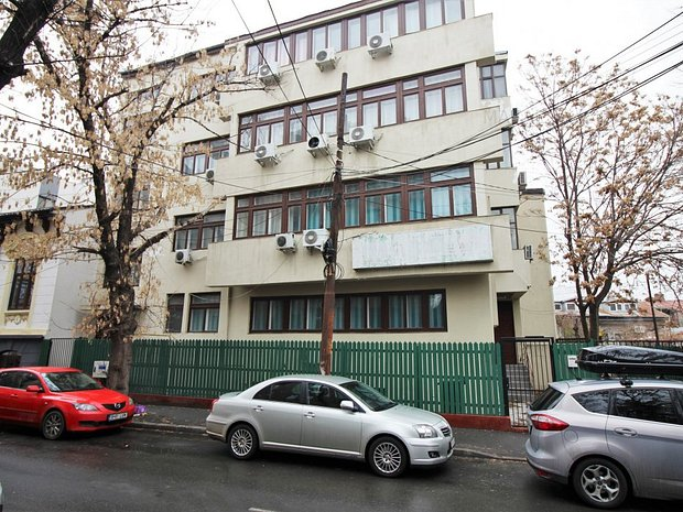 Inchiriere/Vanzare S+P+3E cu 24 camere - investitie birouri/minihotel - imaginea 1