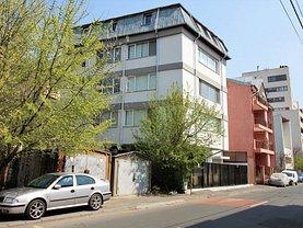 Casa de închiriat 24 camere, în Bucureşti, zona 13 Septembrie