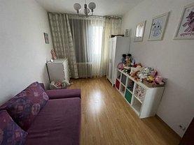 Apartament de vânzare 3 camere, în Bucureşti, zona Pantelimon