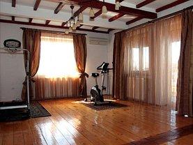 Casa de vânzare 8 camere, în Bucuresti, zona Vatra Luminoasa