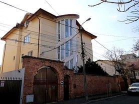 Casa de vânzare 13 camere, în Bucureşti, zona Bucureştii Noi
