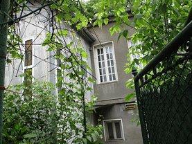 Casa de vânzare 3 camere, în Bucureşti, zona Cişmigiu