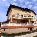 Casa de închiriat 11 camere, în Bucureşti, zona Băneasa