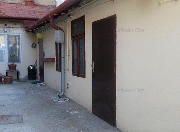 Vanzare casa 3 camere in zona Foisorul de Foc - imaginea 1
