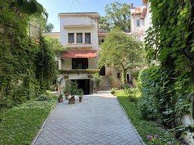 Casa de vânzare 19 camere, în Bucureşti, zona Universitate