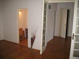 Apartament de vânzare 3 camere, în Bucuresti, zona Kogalniceanu