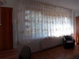 Apartament de închiriat 3 camere, în Bucureşti, zona Sala Palatului