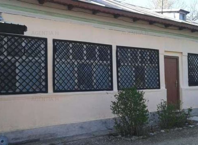 Jud Prahova/Com Poenarii Burchii, Vanzare Casa , 7 camere, curte, 2700mp teren,  - imaginea 1