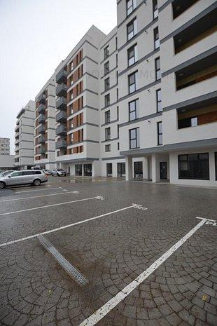 3 camere cu terasa si parcare proprie, - imaginea 1