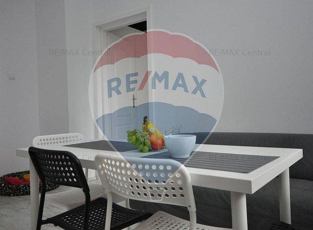 Apartament in vila zona Roata Norocului - imaginea 1