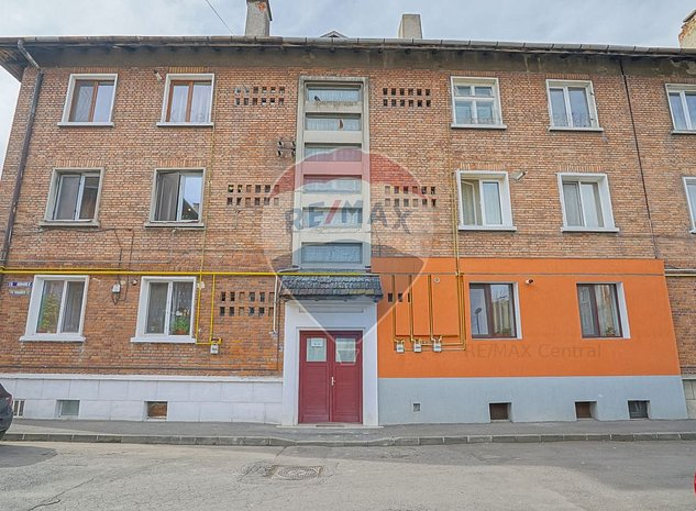 Rezervat! Apartament cu 2 camere decomandat - imaginea 1