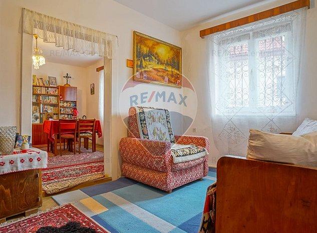 Casa parinteasca cu 3 camere, in Schei, in reprezentare exclusiva si comision 0% - imaginea 1