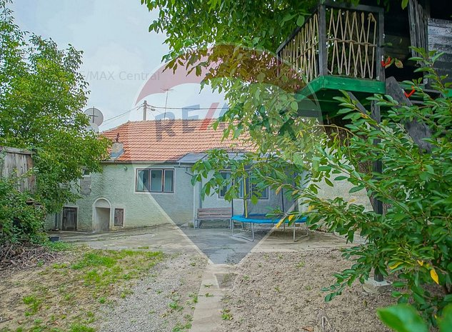 Casa renovabila, cu teren si acces auto - imaginea 1