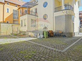 Casa de vânzare 8 camere, în Braşov, zona Centrul Civic