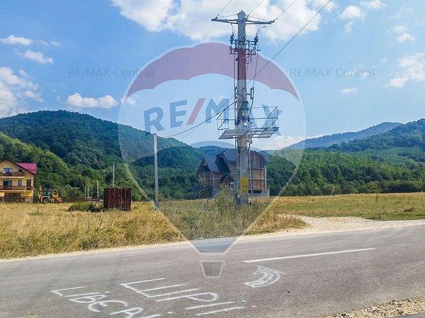 REZERVAT! Comision 0% Teren Rasnov - Glajerie, 1207mp, la strada principala - imaginea 1