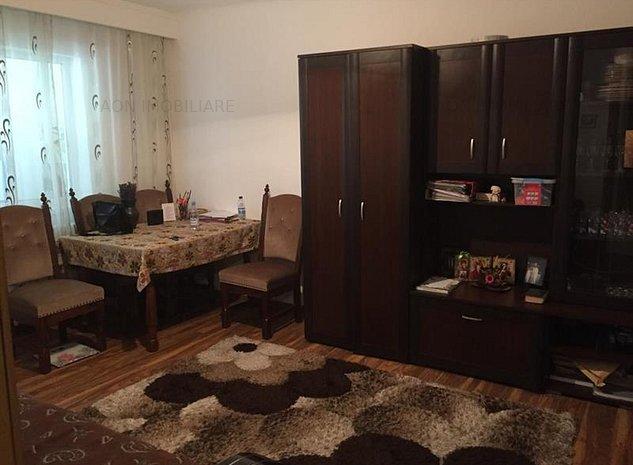 Apartament 4 camere, decomandat, zona Closca - imaginea 1
