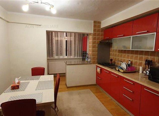 Apartament 3 camere, mobilat, etaj 1, zona Mercur - imaginea 1