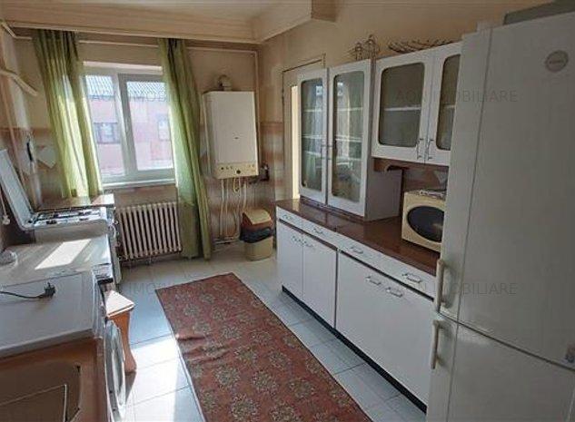 Apartament 2 camere, mobilat si utilat,Cetate, zona Mercur - imaginea 1