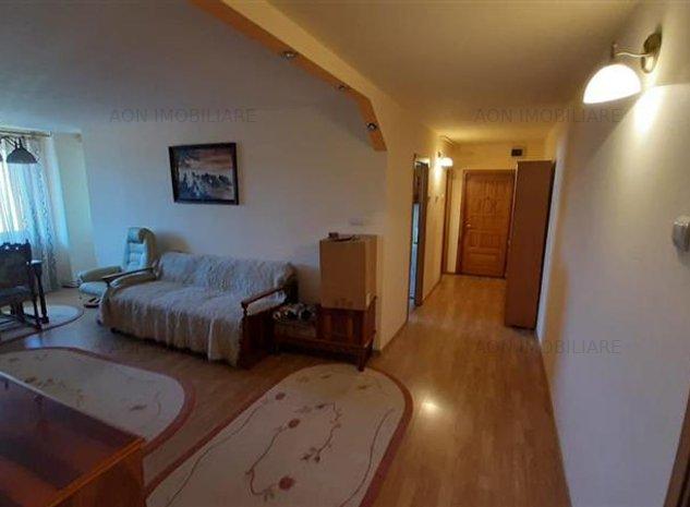 Apartament 4 camere decomandat Centru - imaginea 1